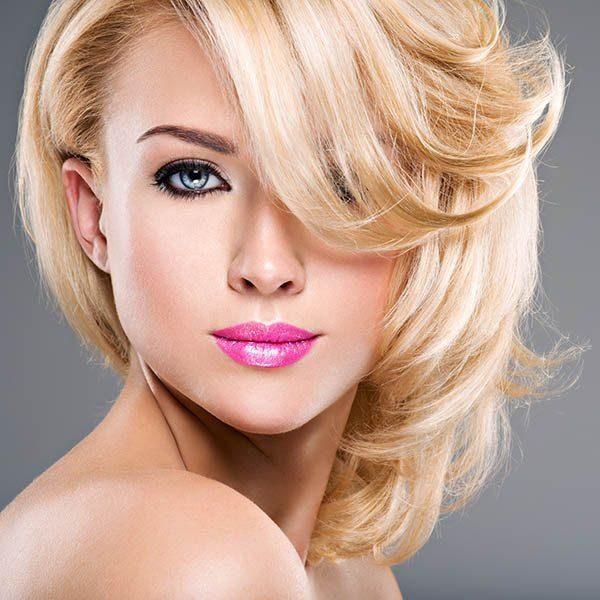 Fryzura Natural Look Włosy średnie